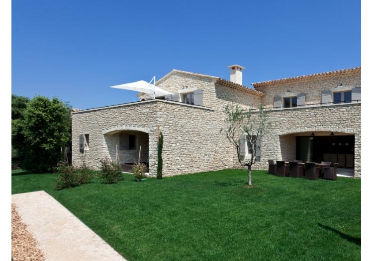 Abs bouwteam gordes villa villa appartement te gordes for At home architecture 84220 gordes